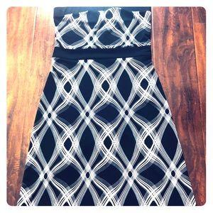 Dresses & Skirts - Strapless Little Black & White Dress